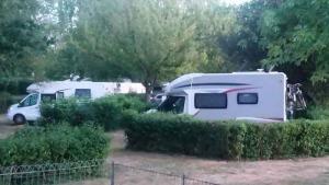 Camping Les Chênes Valençay - Camping-Car